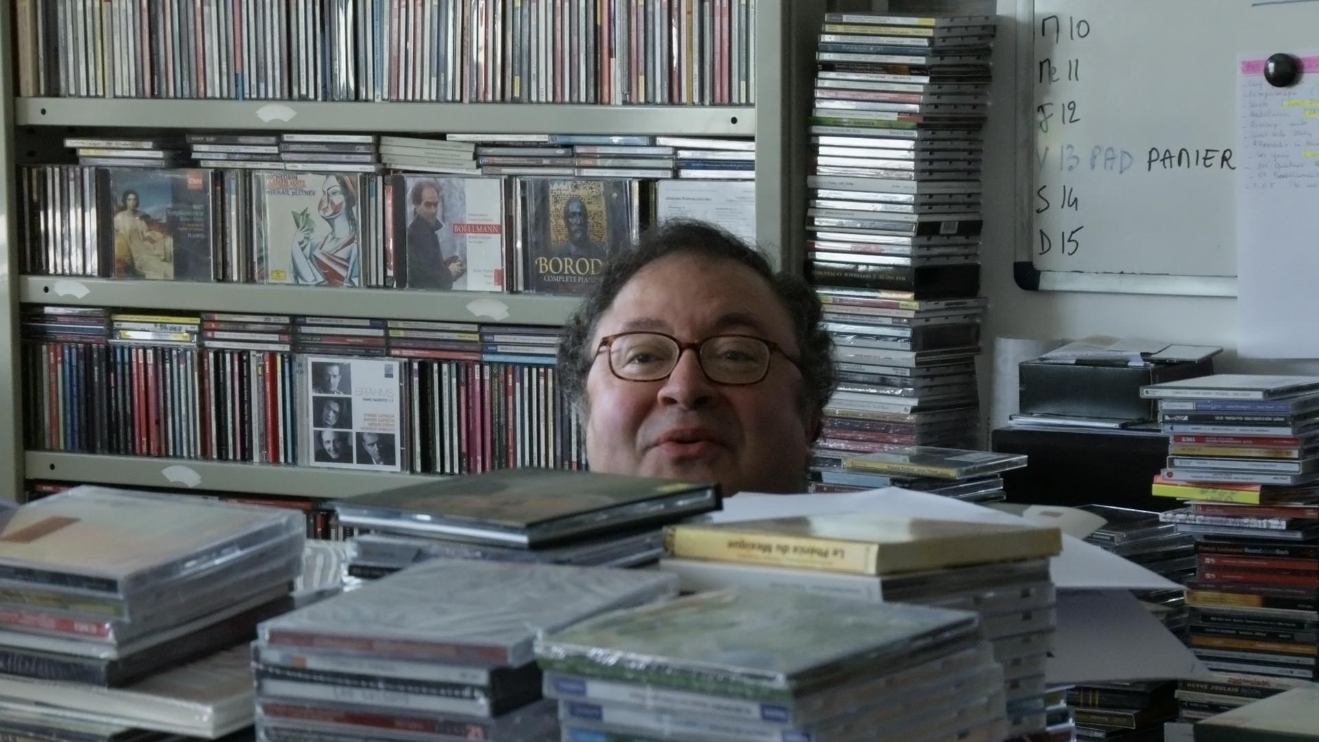 Musik bis an die Halskrause - Musikredakteur bei Radio France
